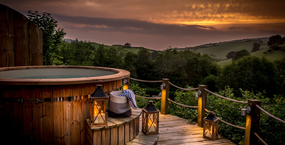 14-Hot-tub-at-Sunset-wide.jpg