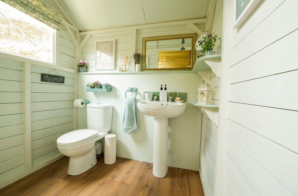 6.-Bathroom.jpg