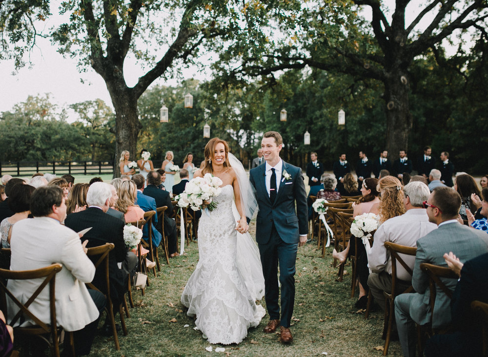 Rachel & Cord = Southern Wedding at the White Sparrow Barn