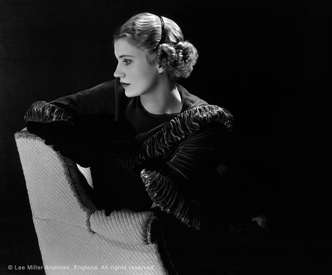 2-Self-portrait-New-York-Studio-New-York-USA-1932.jpg