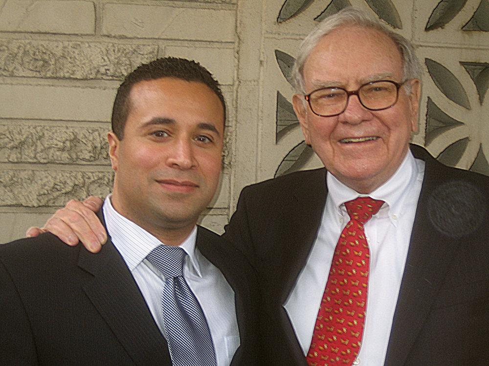 Claudio Rojas in Omaha, Nebraska with Warren Buffett – April 2008.