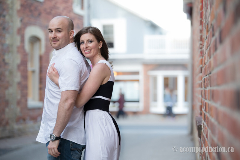 markham-engagement-photography-unionville-main-street-15