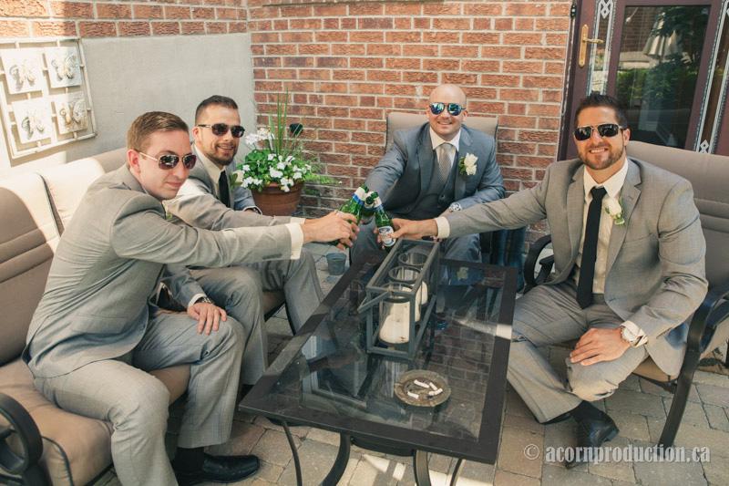 05-groomsmen-cheering