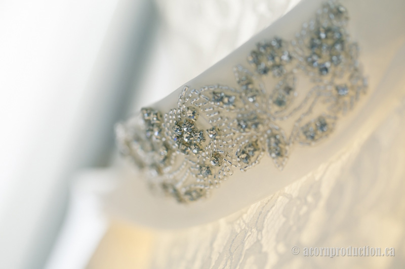 08-wedding-dress-closeup