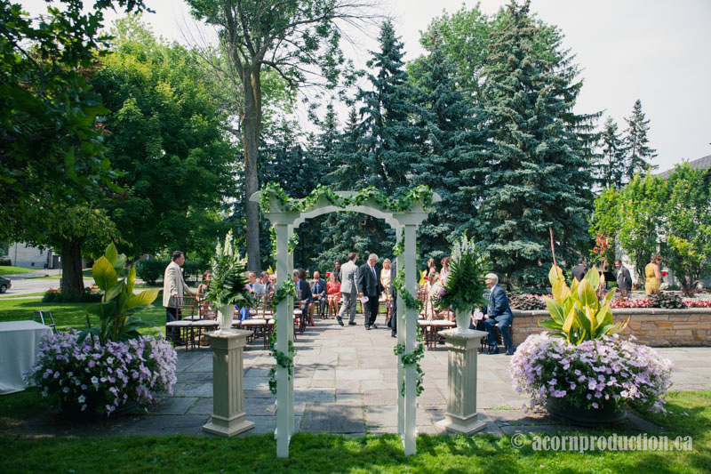 14-outdoor-wedding-Heintzman-house