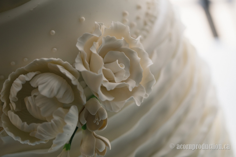 31-wedding-cake-closeup-detail