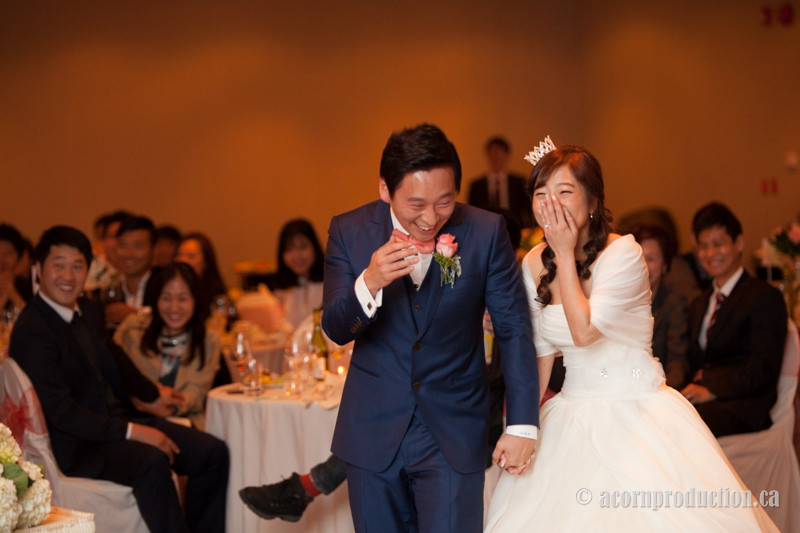 34-laughing-bride-groom-wedding-reception
