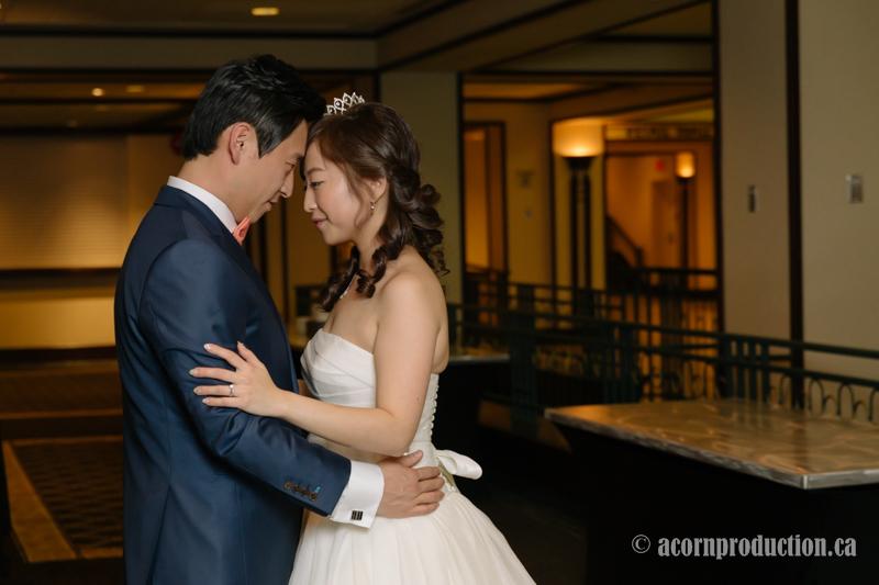 41-markham-wedding-photographer-sheraton-parkway-hotel