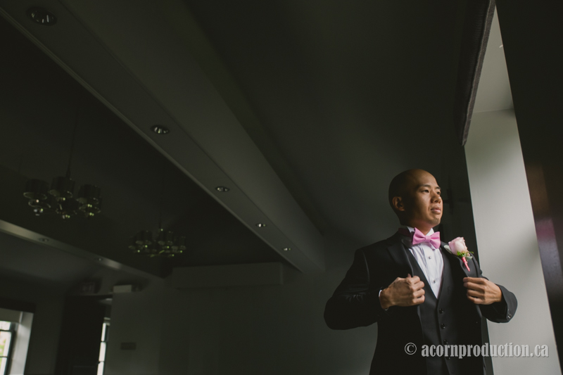 13-chinese-groom-preparing-for-wedding