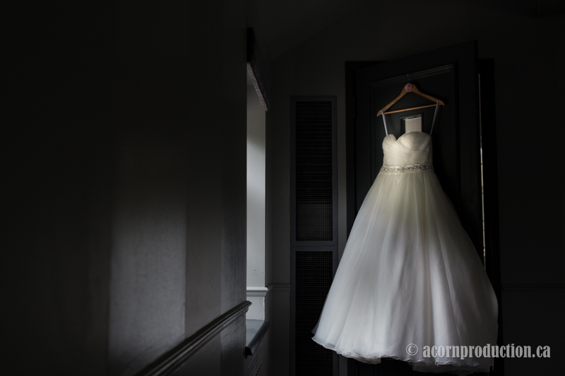 20-estate-of-sunnybrook-wedding-dress