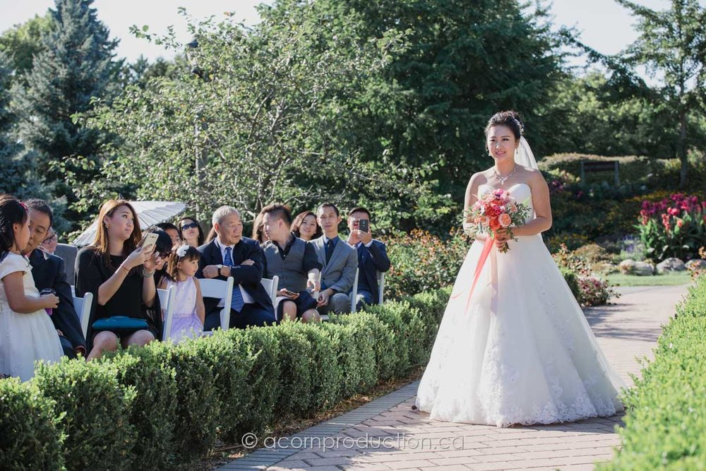 outdoor-wedding-cermony-millar-lash-house