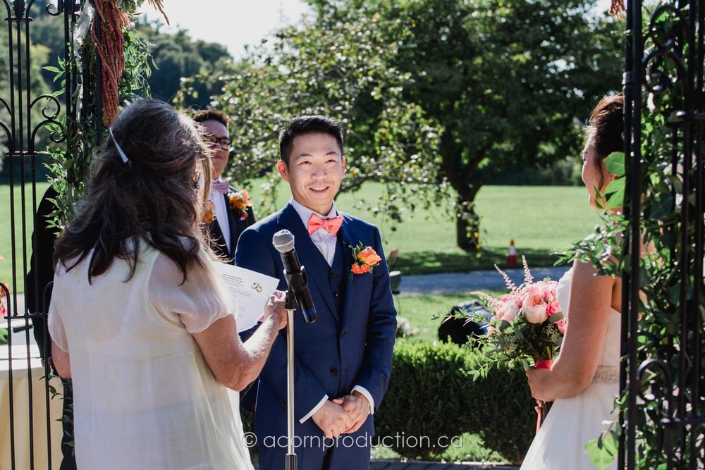 toronto-millar-lash-house-outdoor-wedding-groom