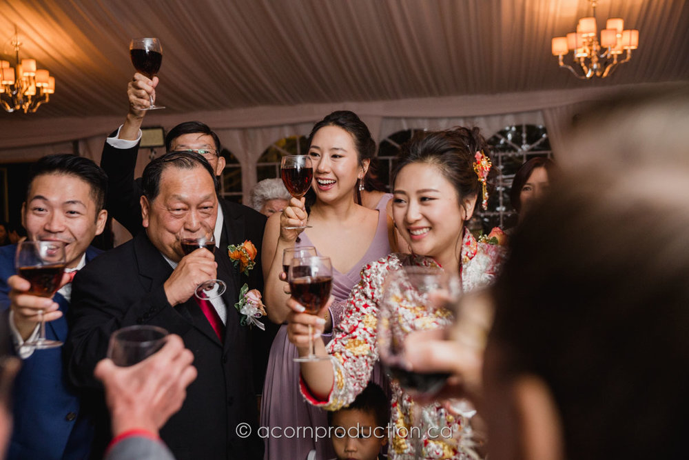 table-toasting-chinese-wedding