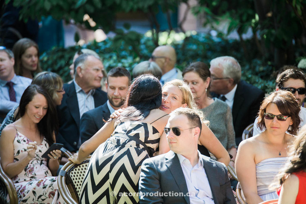 guests-arriving-at-wedding-cermony.jpg