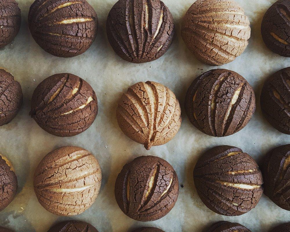 conchas chocolate cinnamon.jpg
