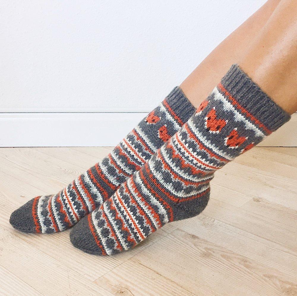 fox-isle-socks