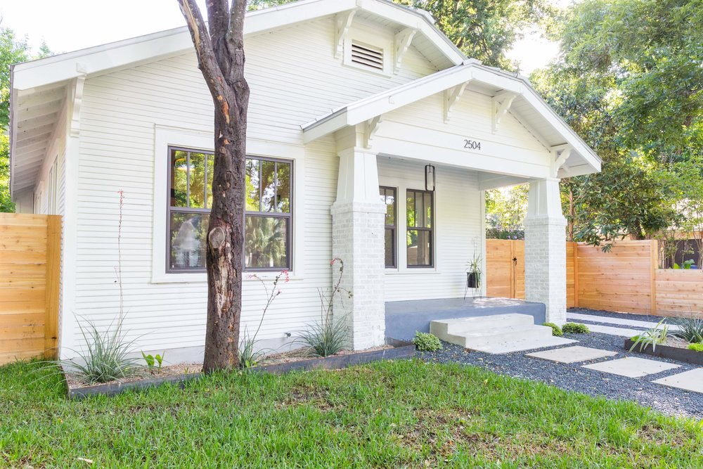 2504_WillowA_-_East_Austin_Bungalow_with_Modern_Addition_-_Holly_neighborhood-9761[1].jpg