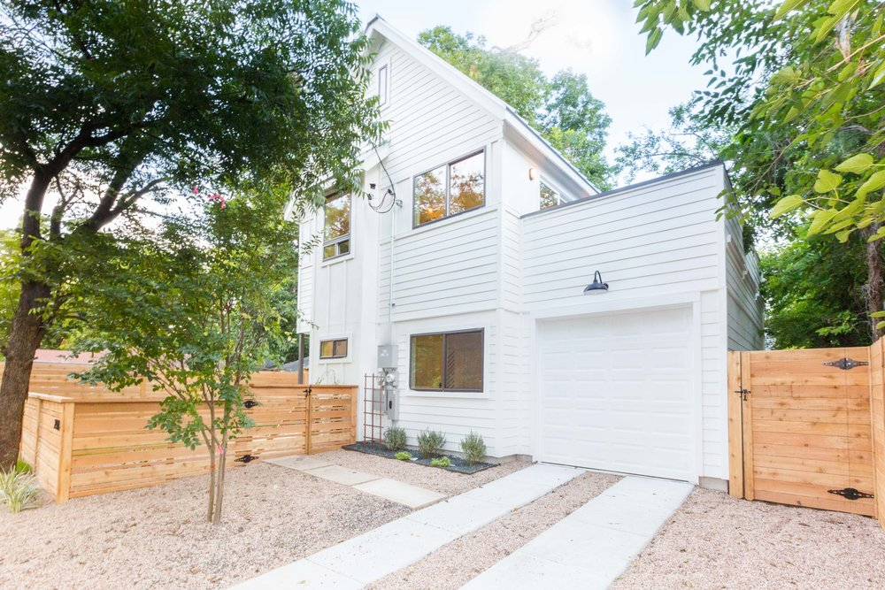 2504_WillowB_-_East_Austin_Alley_House_Modern_Cottage-9657[1].jpg