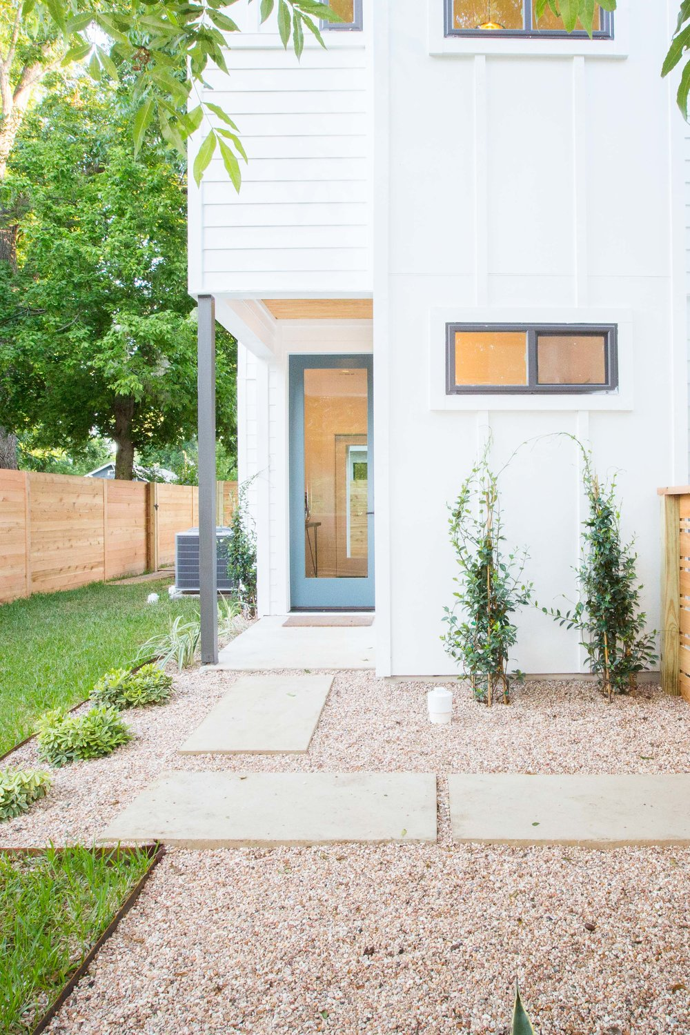 2504_WillowB_-_East_Austin_Alley_House_Modern_Cottage-9661[1].jpg