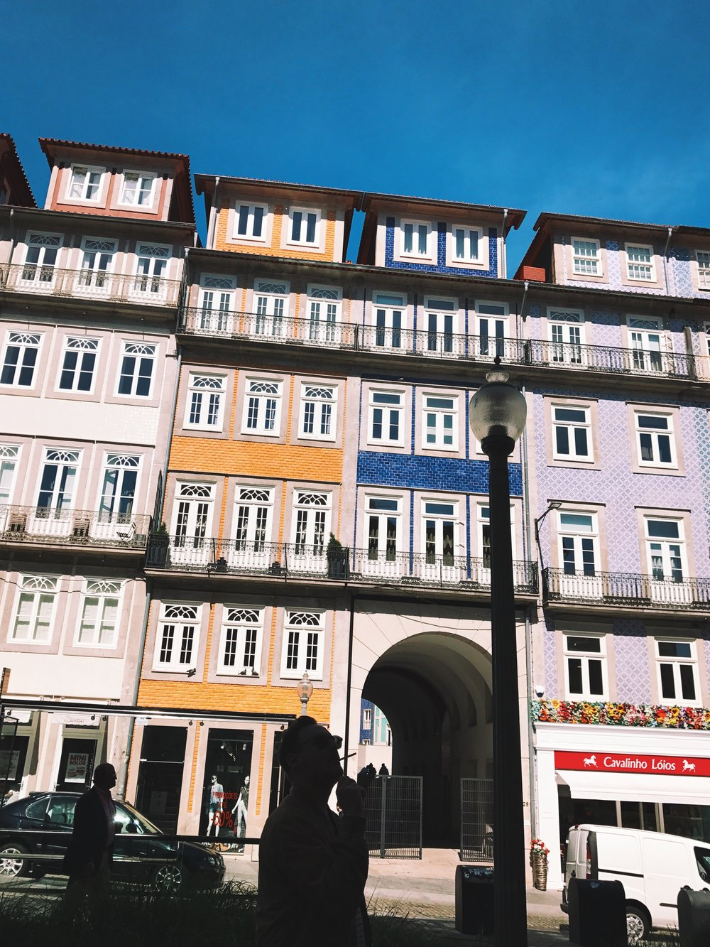 Buildings on R. Trindade Coelho in Porto