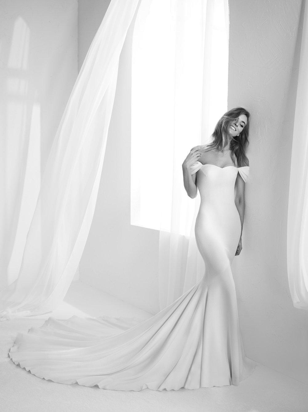 Pronovias Off the shoulder wedding dress