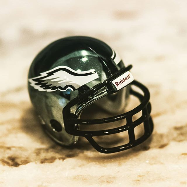 What's on YOUR counter? We can smell FOOTBALL in the air!! 🏈 All Philly fans raise your hands! 🙌 How about 2 years in a row??!! Tell us your favorite team! . . . . #philadelphia #philadelphiaeagles #nfl #nickfoles #superbowl #eagles #superbowlchamps #kickoff #flyeaglesfly #dougpederson #jayajayi #zachertz #jalenmills #chrislong #rasuldouglas #fanclub #touchdown #whatsonyourcounter #whatsonyourcountertop #officetoys #granitecountertops #granitecounters #granite #heartlandgranite #hgq #topeka #topcity #forbesfield