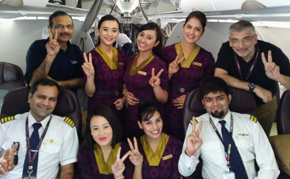 Sanjiv Kapoor (second row, extreme right) with Vistara colleagues.                            Pic credit: Vistara