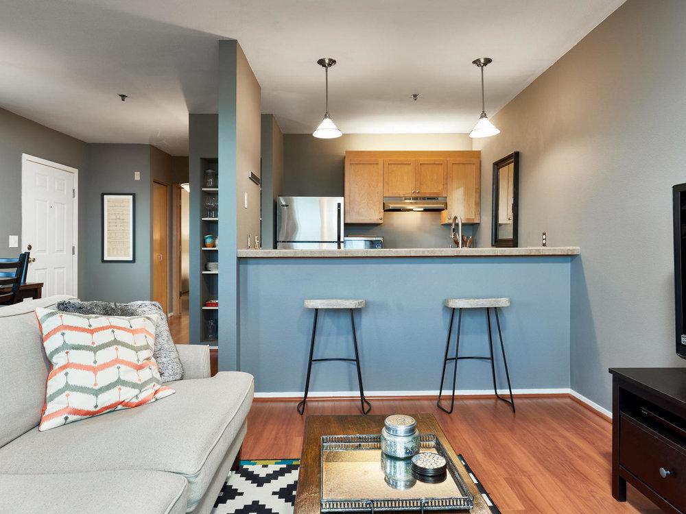 325+NW+Uptown+Terrace+Portland-MLS_Size-008-11-Main+Living+Area-1920x1440-72dpi.jpg