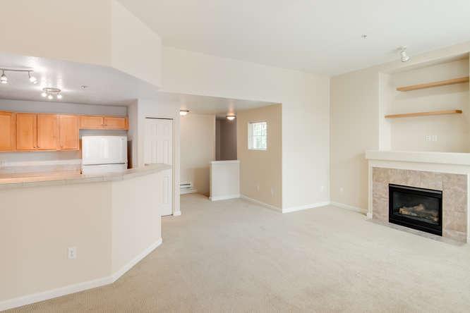 325+NW+Uptown+Terrace+Portland-MLS_Size-007-5-Main+Living+Area-1920x1440-72dpi.jpg