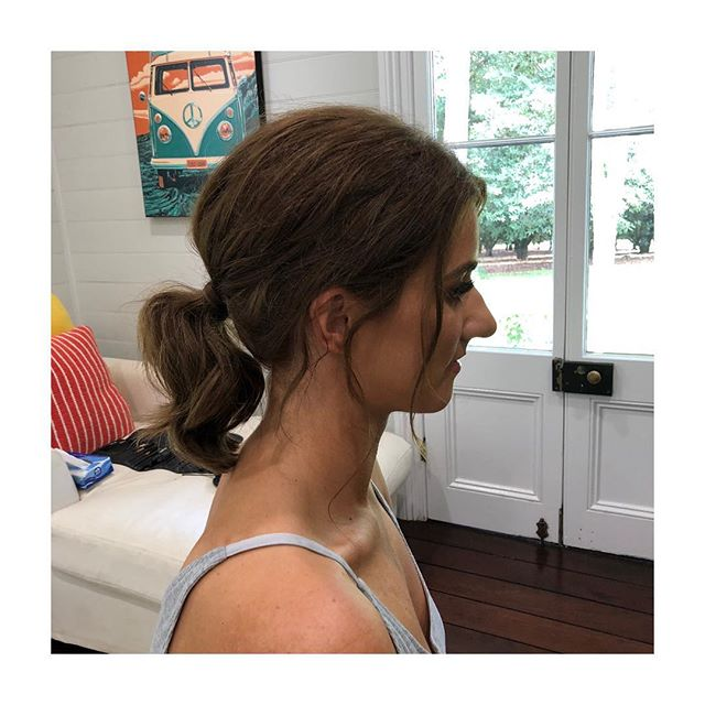 Who said #messyponytail are for long hair only... cute bridesmaid look  by Kerri ✨
