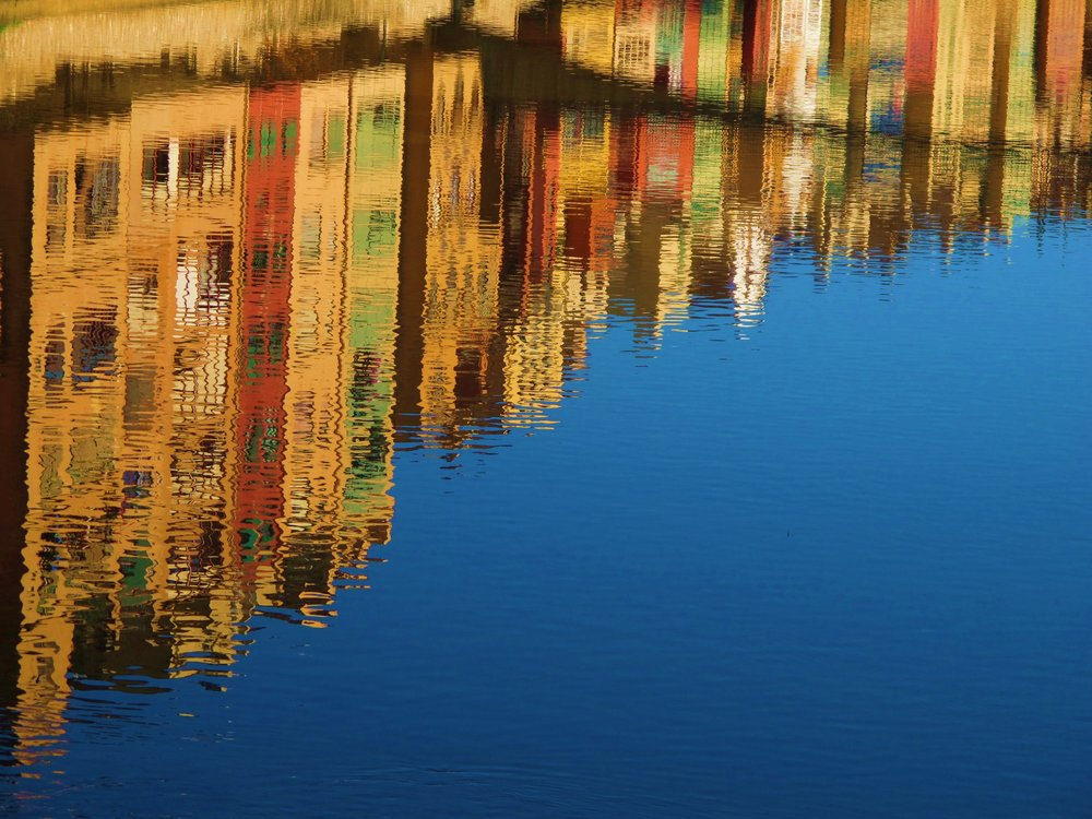 reflection-water-canal-mirroring-70574.jpeg
