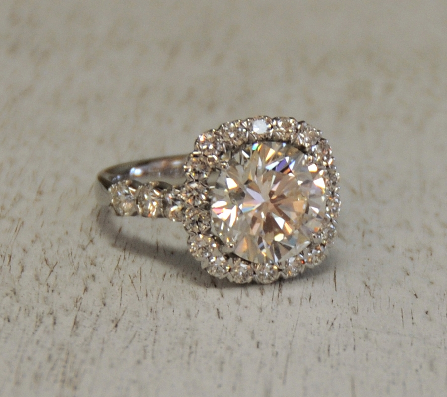 5 ct. Round Brilliant   Engagement   Ring