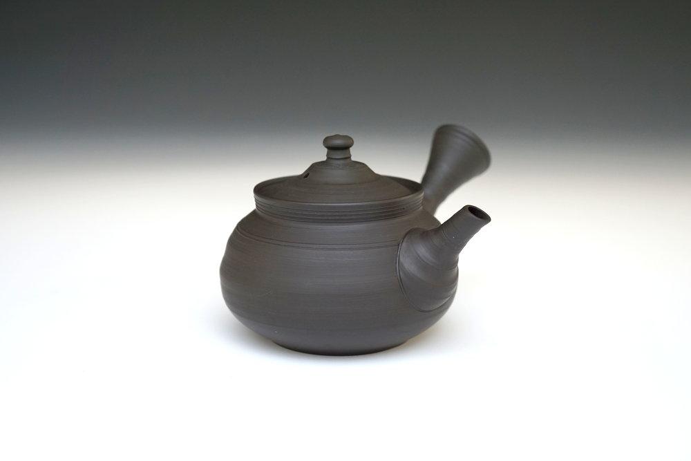 Teapot by Murakoshi Fugetsu