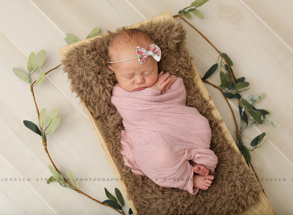 Newborns and floral.... my heart <3