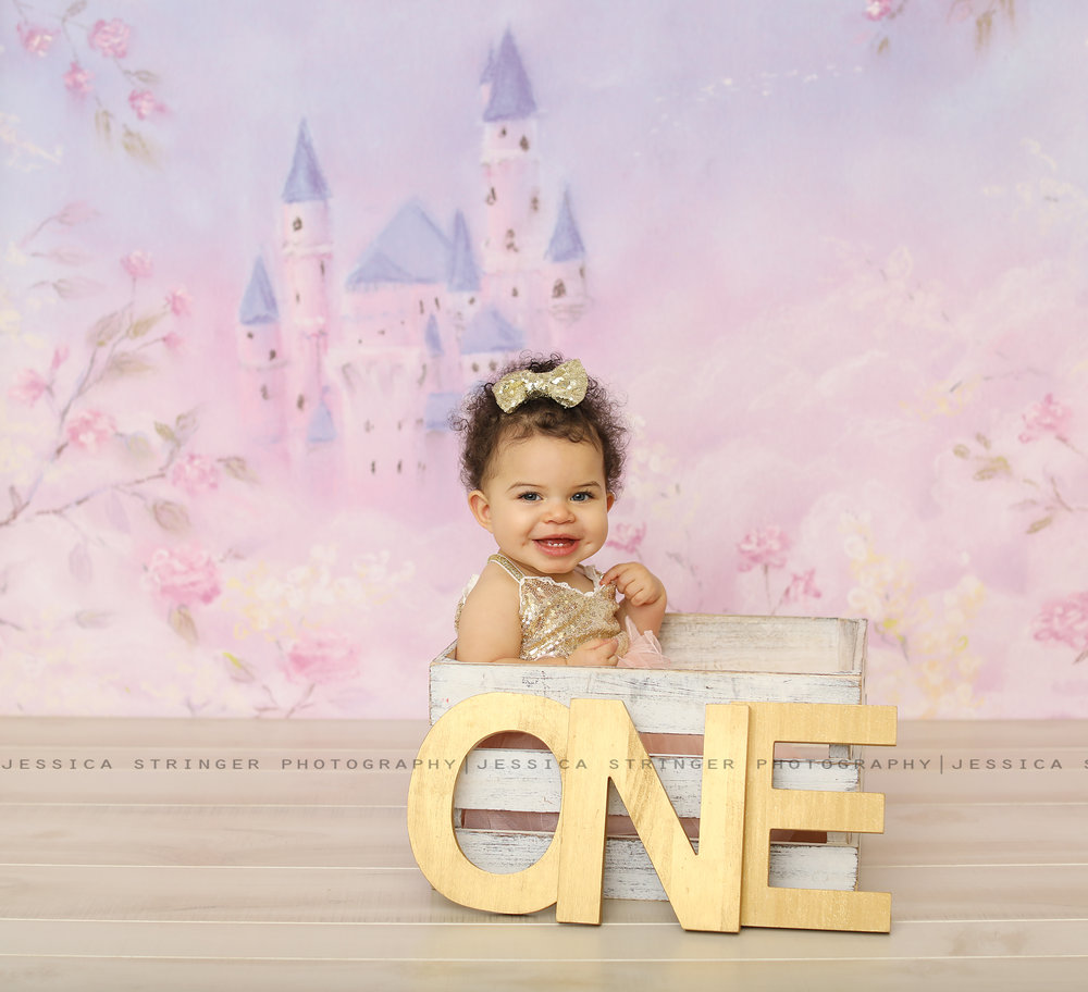 Little princess! Rochester ny cake smash photos // newborn photos in rochester ny // baby photography rochester ny //