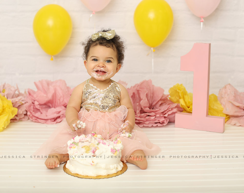 Rochester ny cake smash photos // newborn photos in rochester ny // baby photography rochester ny //