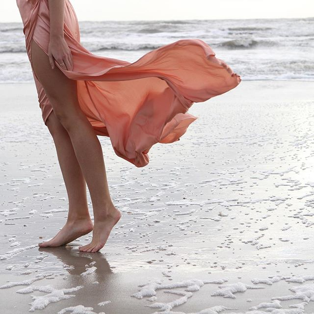@pearlandgodiva picked the prettiest flowing peach dress for this @workshopvero shoot on the beaches of Cumberland Island.