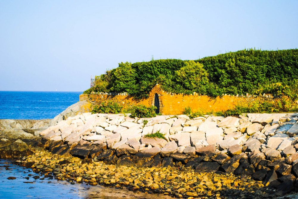 Cliff Walk in Newport, Rhode Island
