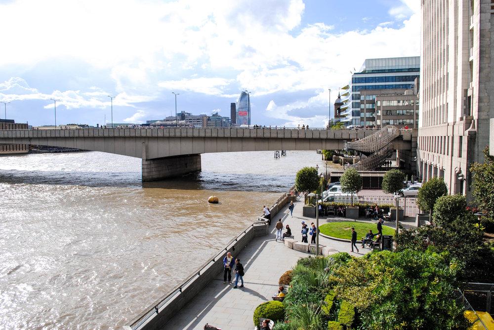 Walk Along the Thames