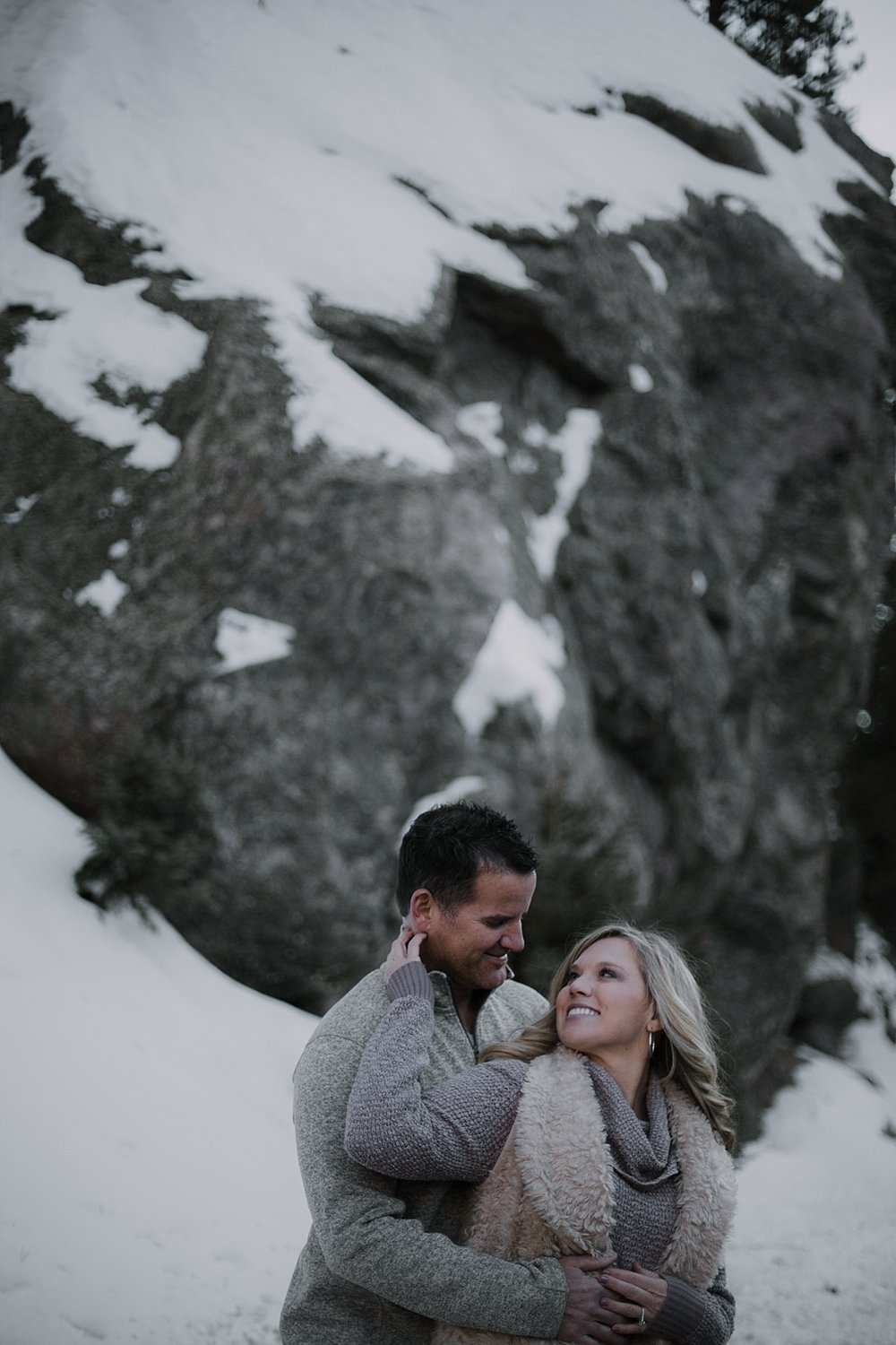couple posing, colorado wedding photographer, colorado adventure session, colorado engagement session, red cliff wedding photographer, leadville wedding photographer