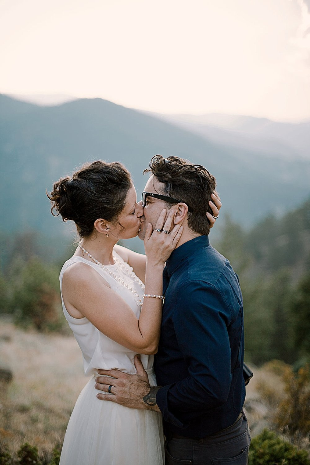 eloping couple, boulder colorado elopement, boulder colorado self solemnizing elopement, self solemnizing elopement, boulder colorado elopement photographer, realization point elopement