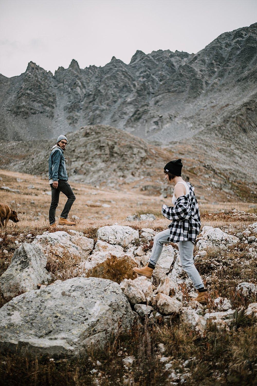 couple walking colorado trail, hike mayflower gulch, mayflower gulch proposal, mayflower gulch elopement, mayflower gulch wedding, mayflower gulch engagments, patagonia elopement, patagonia hiking