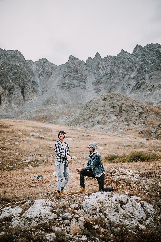 man proposing, colorado mountain proposal, hike mayflower gulch, mayflower gulch proposal, mayflower gulch elopement, mayflower gulch wedding, mayflower gulch engagments, leadville elopement