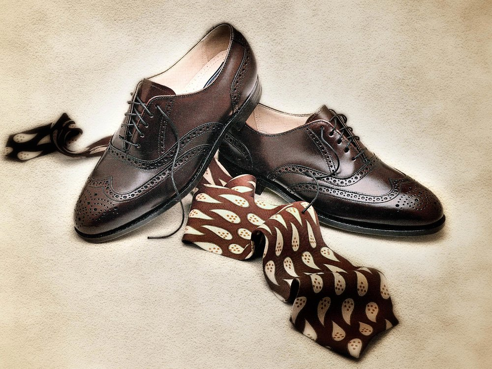 bostonian-wingtips-and-tie.jpg