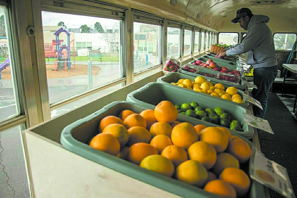 Any Street Grocery allows shoppers to pick from a wide selection of fresh organic produce. The bus will accept payments for the food through SNAP and other food assistance programs. (Credit: Any Street Grocery).