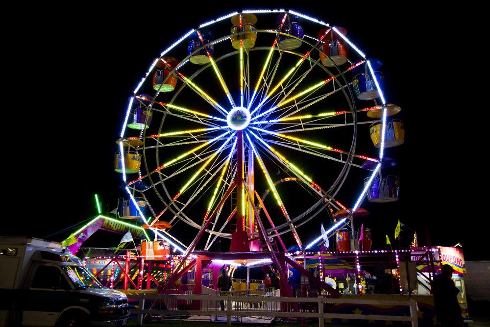 Fall Fair ferris wheel at night Andrew Dawe.jpg