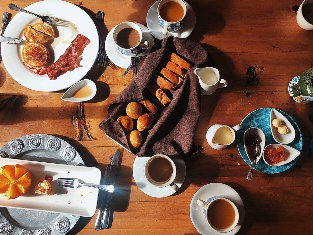 Plentiful breakfast at Rumiloma