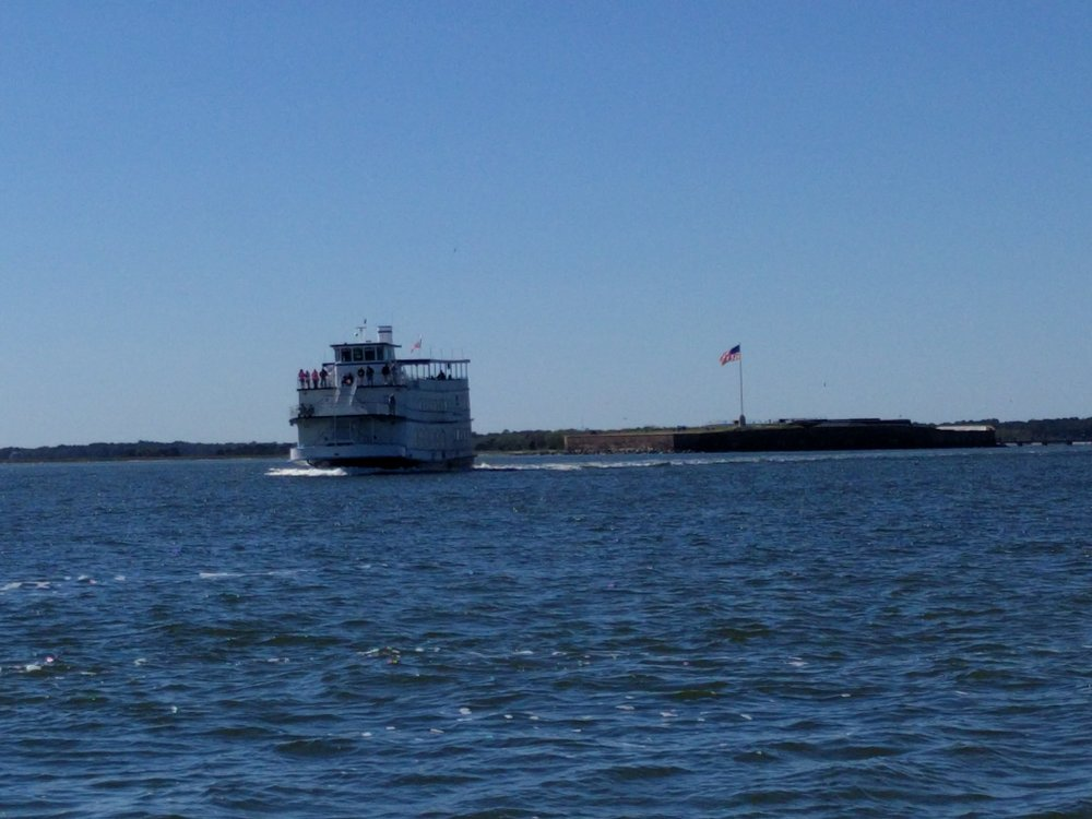 A ferry takes tourists around the bay and to the fort.