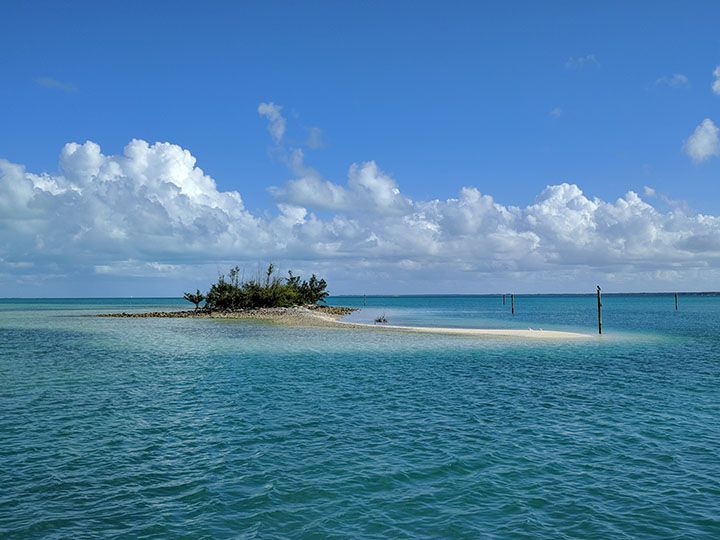 Entering Treasure Cay
