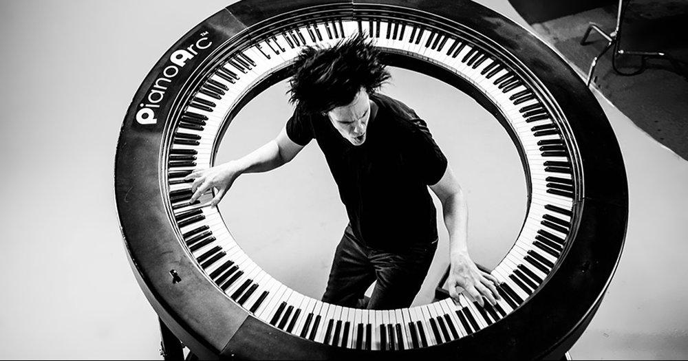 piano-arc-circular-keyboard-brockett-parsons-fb.jpg